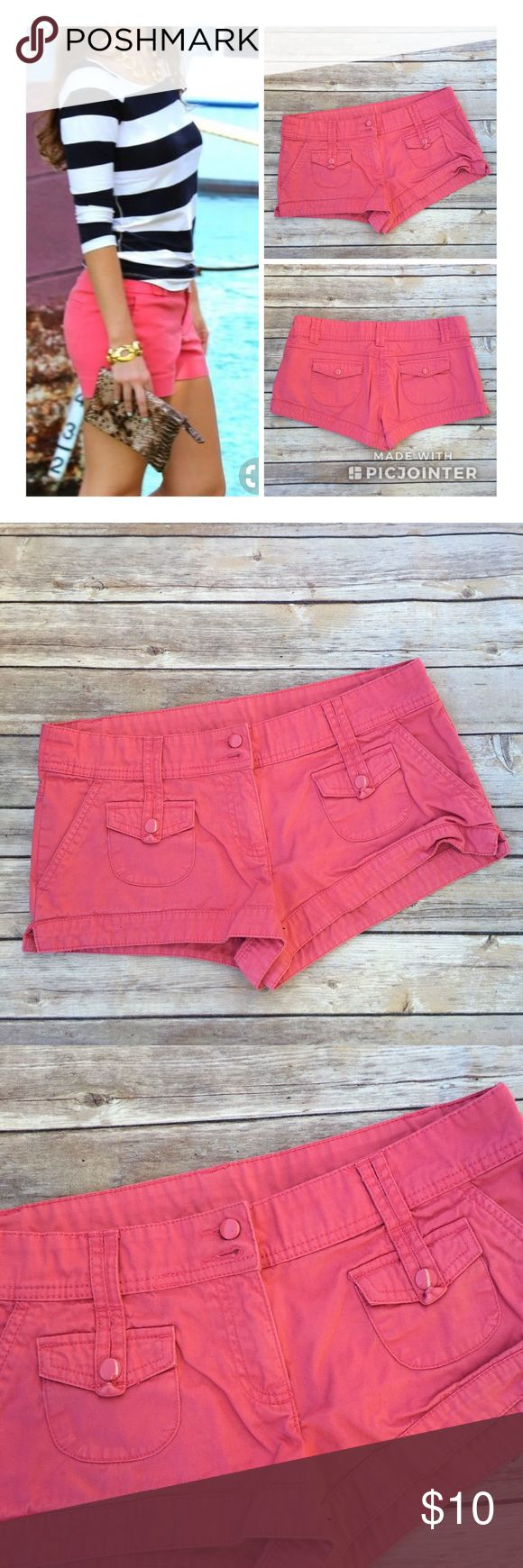 Hot Pink Shorts from H&M Great condition. Worn only a couple of times. No rips or stains. Smoke free and pet free home / environment. Ships Immediately! 💕 BUNDLE with another items and save 20% 🔥💯 H&M Shorts