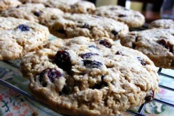 Vegan Cinnamon Oatmeal Raisin Cookies: Oatmeal Cookies, Breakfast Cookies, Cinnamon Oatmeal, Vegans Cinnamon, Cookies Recipe, Oatmeal Raisin Cookies, Healthy Recipe, Oatmeal Raisins Cookies, Peanut Butter