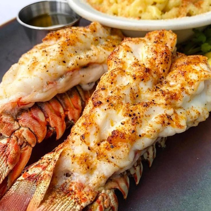 Lobster,🦀Mac & Cheese😋😋 . Hashtag #Shredded_Academy @ us in your captions for a shoutout . 📸: @foodiemobbb  #fitness #inspiration #workout #weightloss #motivation #fitspiration #instafitness #fitfam #fit #transformation #exercise #dedication #determination #fitnessmodel  #abs #goals #exercises #workoutvideo #workoutvideos  #healthy #health #aesthetics #results #nutrition #coach #onlinecoach #fitnesscoacht