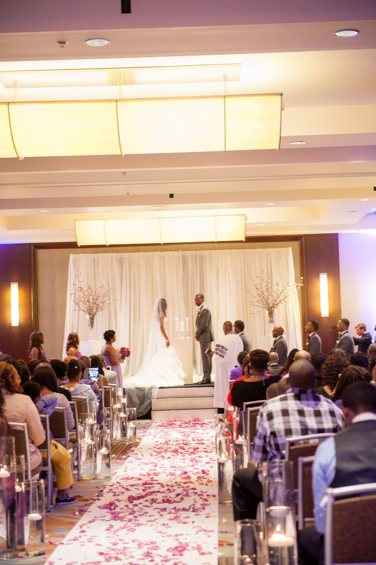 Beautiful Wedding At The Westin Memphis By Southern Event Planners Memphis Weddings Courtesy