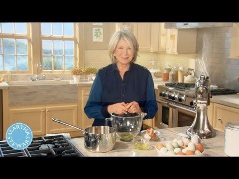 Martha Stewart's Upside-Down Lemon Meringue Pie - Martha Stewart - YouTube