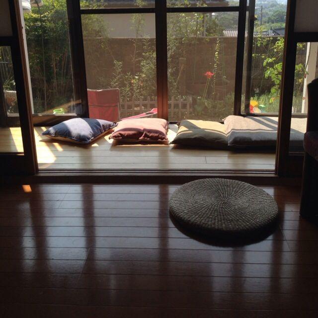komisoさんの、レトロ,和室のインテリア,縁側,中古住宅,リフォームは一切してないです。,コンテスト用に再投稿,日本家屋,クッションの日光浴,のお部屋写真