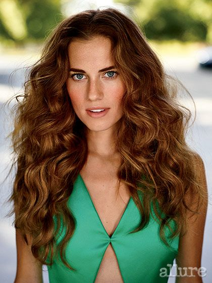 Allison Williams's December 2014 Allure Cover Shoot: Cover Shoot: allure.com
