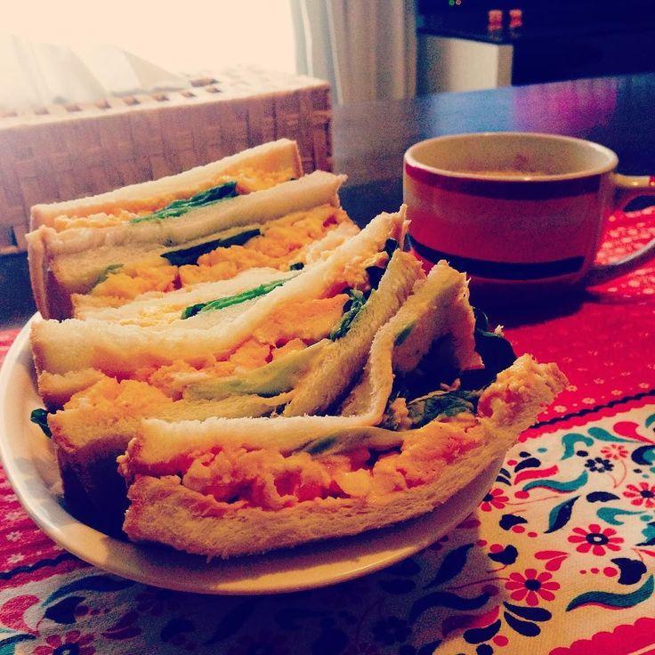 どうしてもタマゴサンド食べたくて枚切り食パンを執念でカット( ˆoˆ )/#二日酔い#タマゴサンド#サンドイッチ#朝ごはん by aya9181204212
