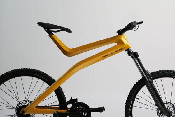 Los alumnos de séptimo semestre del Centro de Estudios Superiores de Diseño de Monterrey, diseñaron una bicicleta inspirada en el Focus ST de Ford.