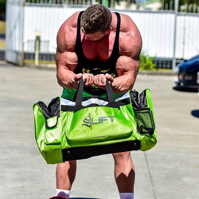 @strongliftwear Need a pump but got no weights? No problem.. Strong Lift Wear s lift Bag to the rescue  @adamroch18 pumping up for a shoot   #muscle  #gym #bodybuilding #bodybuilder www.strongliftwear.com