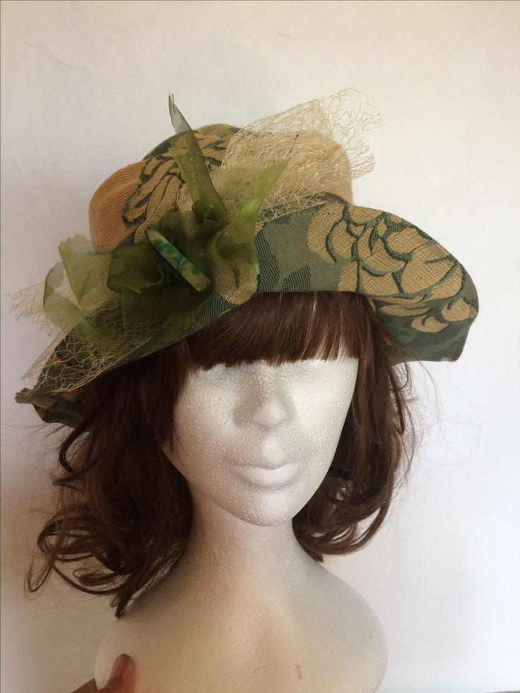 Chapeau en soie sauvage et tissu de tapisserie choupi-chipie-créations