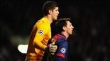 Fraser Forster (Celtic FC) & Lionel Messi (FC Barcelona)   FC Barcelon 1-2 Celtic. 07.11.12.