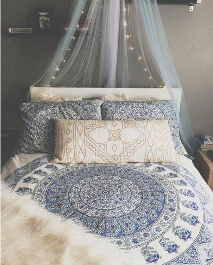 Nice 52  Briliant Bohemian Bedroom Design Ideas https://bellezaroom.com/2017/09/12/52-briliant-bohemian-bedroom-design-ideas/