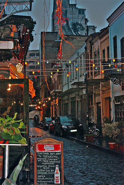 Στην περιοχή Λαδάδικα ( Θεσσαλονίκη ), λίγο πριν νυχτώσει.  At area Ladadika ( Thessaloniki ) , at afternoon