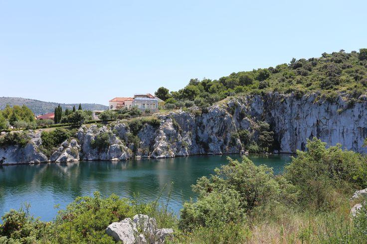 Zmajevo oko lake. Adriatic.hr