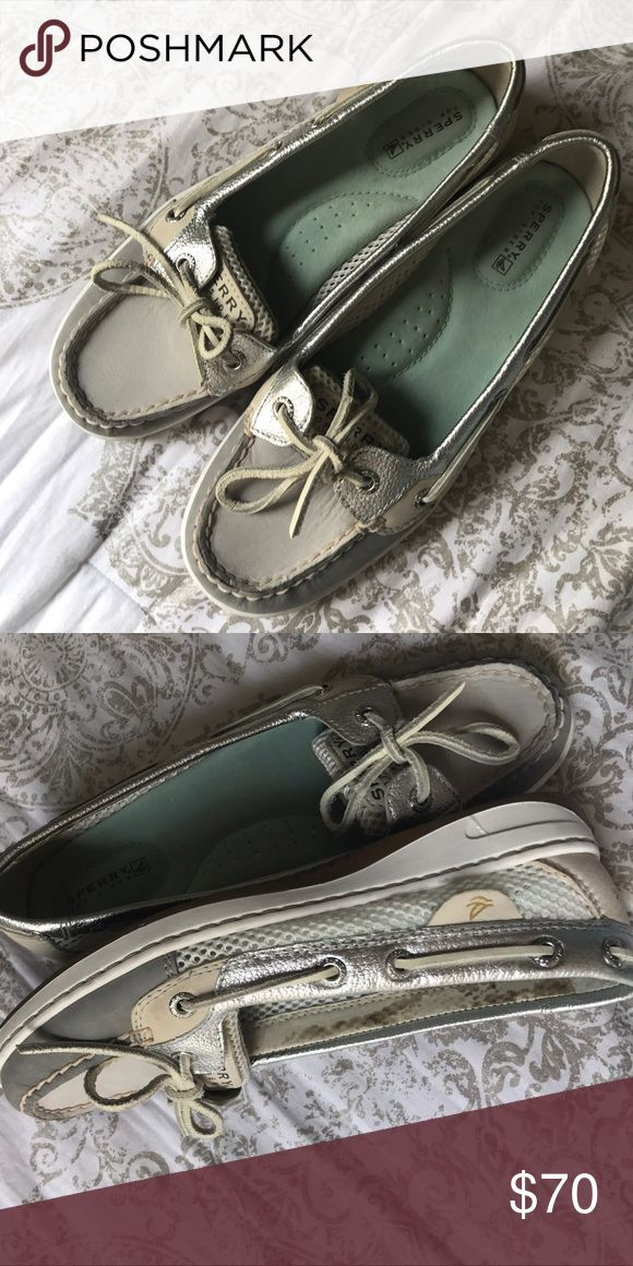 {SPERRY} Women's Angelfish Boatshoe A grey and white boat shoe by SPERRY, with a gripping outsole made for comfort. Genuine all leather upper. Adjustable 360 degree lacing system. Non marking rubber outsoles. No outer markings of wear, slight stain on the inside(second photo) but otherwise perfect condition. No trades! Feel free to make an offer! Sperry Shoes Flats & Loafers