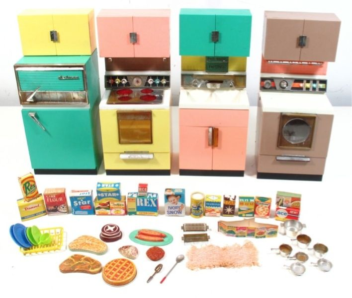Vintage DELUXE READING DREAM KITCHEN Barbie-Sized Play Set