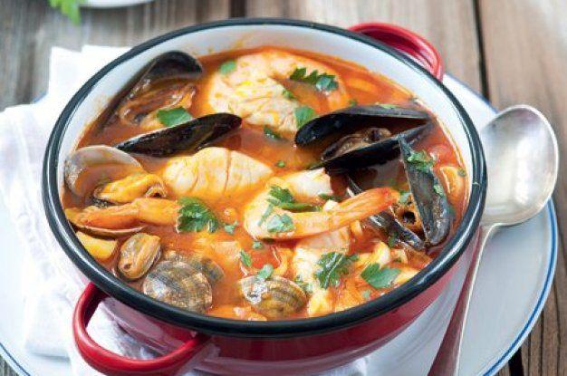 Polévka s plody moře a fenyklem
