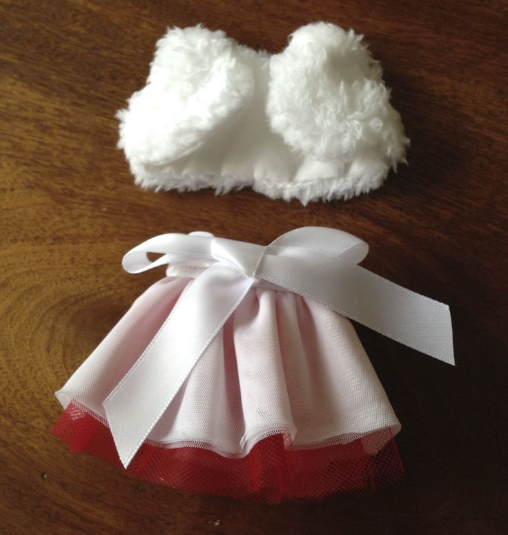 "This fur shrug and tuelle skirt is for my niece's Elf on the Shelf to make it girly. (Not for 18"" doll - it is tiny.) #merrymanatees"