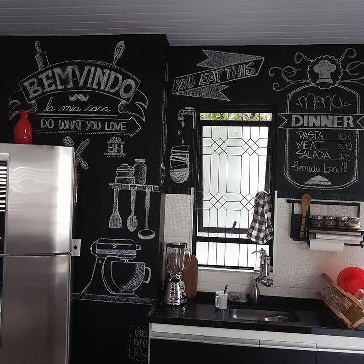 Bom dia! Dia de limpeza por aqui 💪 . . . . #casa #apto #apartamento #cozinha #decoração #designdeinteriores #paredelousa #lousa #loft #industrial #inspiration #retro #homesweethome #myhome #interiordesign #interior #kitchendesign #kitchen #kitchendecor #design #instahome #instadecor #decor #deco #interiors #homedecor #homedesign #industriel #lovedecor