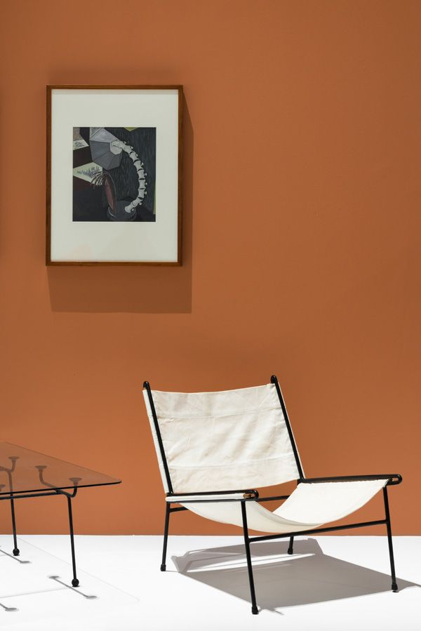 Clement Meadmore Canvas sling chair c. 1955, with glass top coffee table also by Meadmore, c. 1952. Above,'The listening man', gouache over pencil, 1956 by Helen Maudsley. Photo – Brooke Holm on thedesignfiles.net
