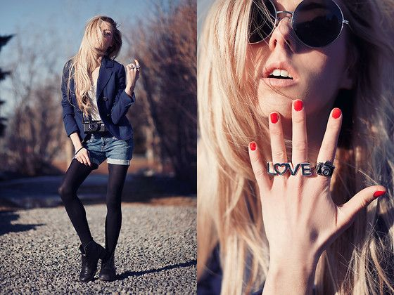 Vintage Boots, Claires Love Ring, Little Camera Ring, H Blue Marine Jacket, H White Shirt, Guess? Homemade Short Made With Guess Jeans, H Circle Sunglasses, Minolta Camera