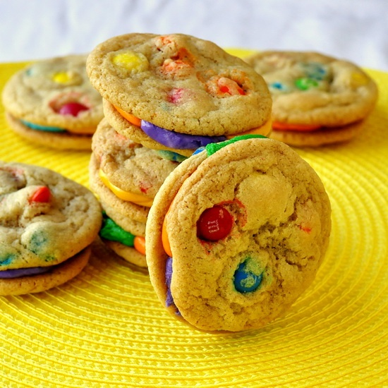M & M Summer Fun Sandwich Cookies - a perfect eye-catching treat for summer birthday parties or picnics.