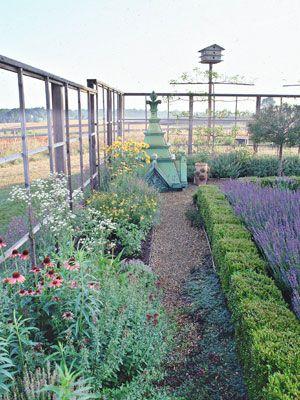96 best ideas about garden fences on pinterest garden for Attractive garden fencing