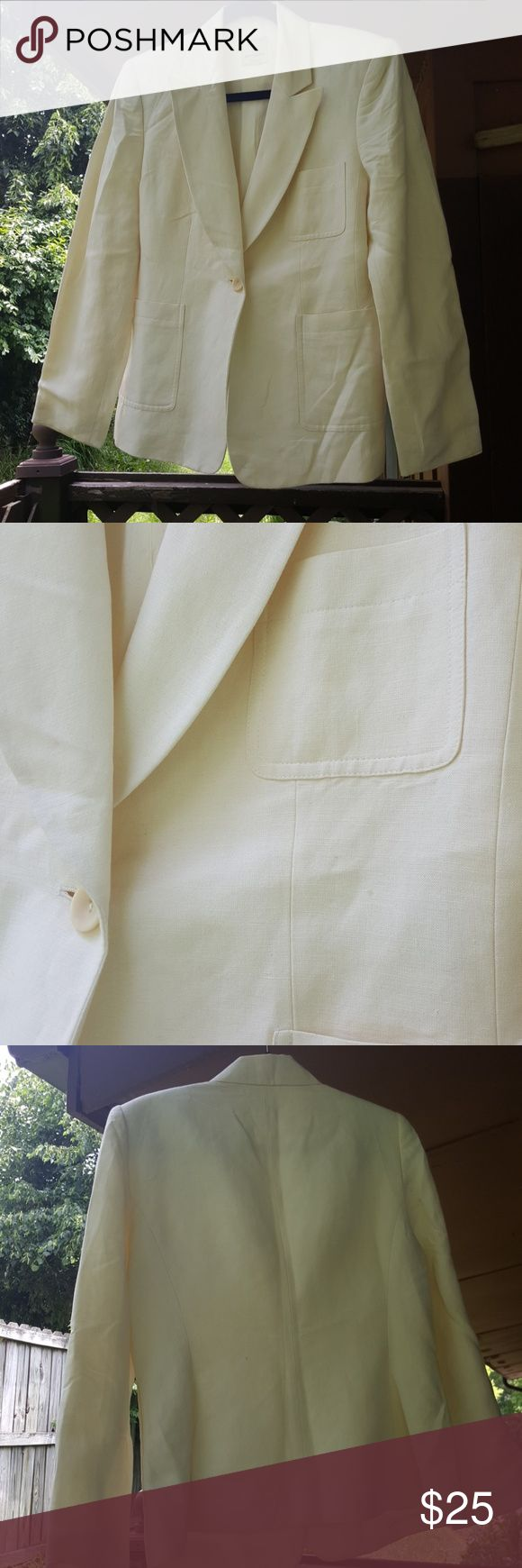 Anne Klein 2 petite blazer/jacket. 55 % Linen 45% rayon blazer/jacket. Off white color.   Size 10 P. Anne Kline  Jackets & Coats Blazers
