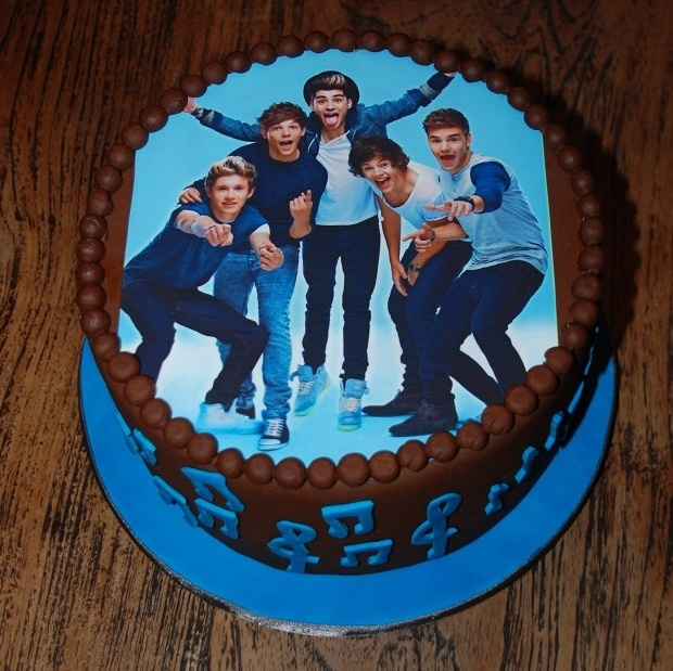 One Direction cake absolutely love this pic