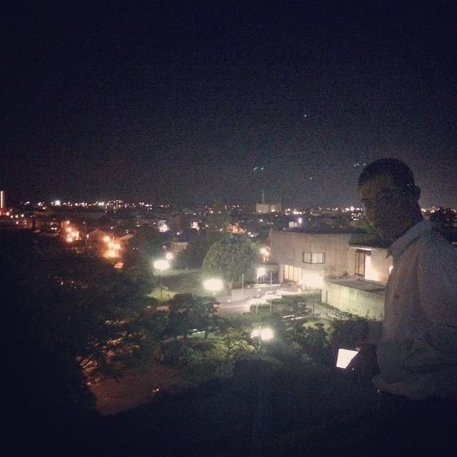 Instagram【shonans310】さんの写真をピンしています。 《#夜景 #小倉 #陽樹 #鳥取 #二の丸 .  そういえば去年のこの時期は はるきとてっぺーと夜景見に行ったな笑 安定のはるきいじり🙄🙄 鳥取でも 意外とそこそこ夜景が綺麗な所ある☺️ 他県には負けるかも知らんけど鳥取民の灯🔥温》