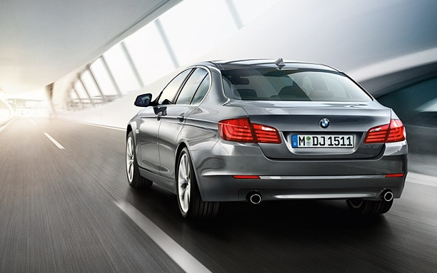 BMW 5 Series Sedan : Images and videos