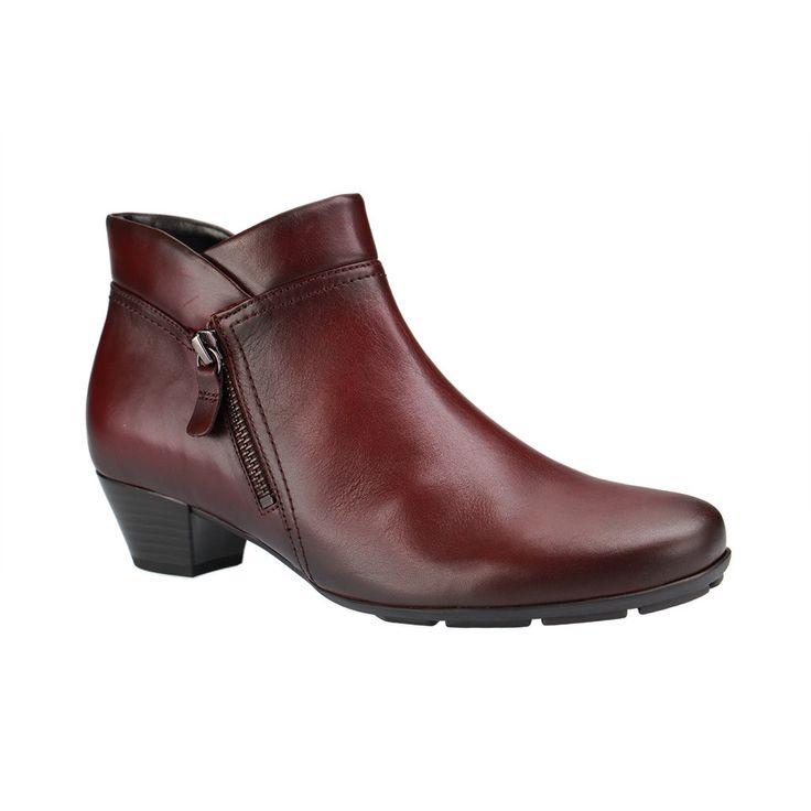 Gabor Schuhe in Übergrößen bei SchuhXL - Große Damenschuhe von Gabor mit Rückblick auf die vergangenen Saisons.