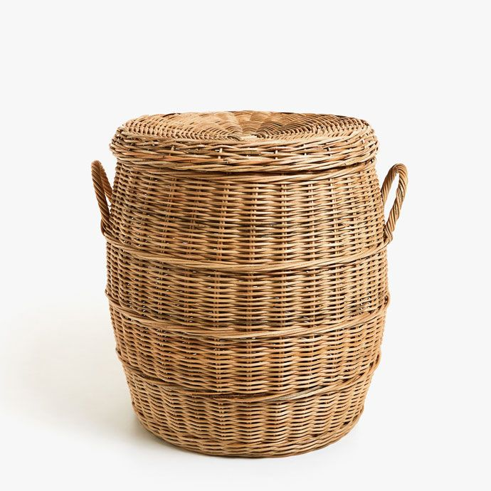 LARGE RATTAN CLOTHES BASKET WITH LID AND HANDLES -  | Zara Home Sverige / Sweden