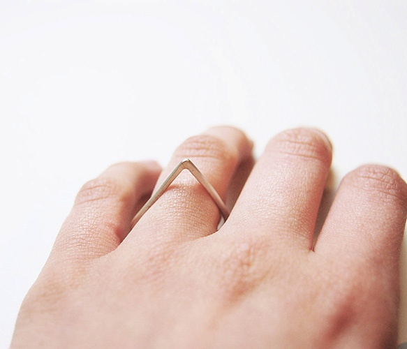 triangleFood Ideas, Triangles Rings, Southwest Burgers, Metals Jewels, Fashion Jewely, Fashion Assesories, Jewels Ac Etc, Gold Triangles, F Style