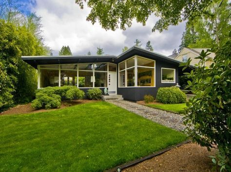 Mid Century Modern home in Seattle, WA. http://www.retrorealtygroup.com https://emfurn.com/collections/mid-century-modern