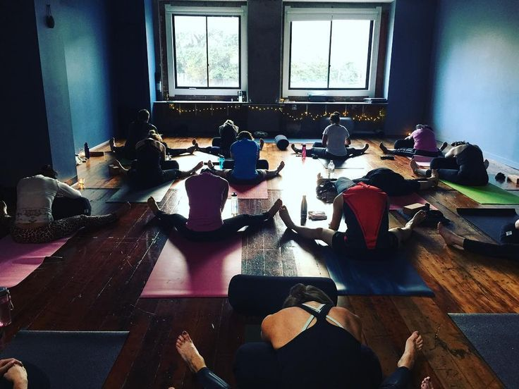 Yin and Gentle Flow 75 min class every Saturday!  have you tried yet??? Perfect combo to relax but still feel energised for the evening . Check out our timetable : http://ift.tt/YWqndR see you soon on the mat!!. . . .. #yoga #yinyoga #yin #flow #gentle #thehotyogalounge #hotyoga #wellingtonyoga #corporateyoga #breathe #relax