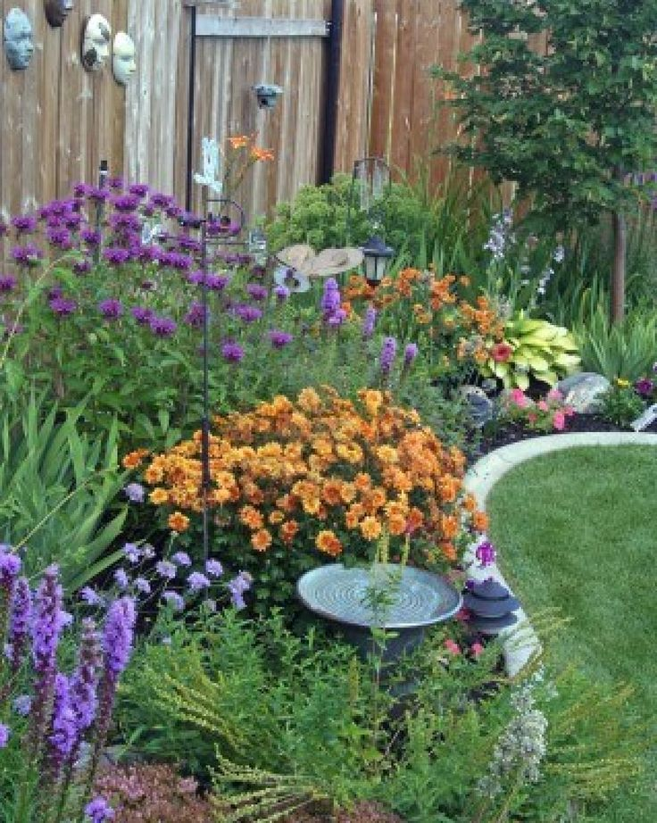 230 best images about gardening on pinterest front yards for Garden flower borders designs