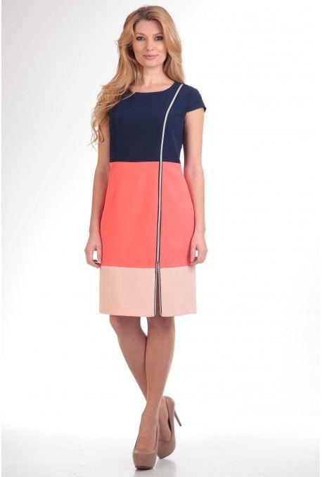 Трехцветное полуприлегающее платье длиной чуть выше колена. Горловина - округлая лодочка. Застежка в боковом шве на потайную молнию. Рукав-крылышко. По переду декоративная молния.  - Состав: пэ 95%, эластан 5%  http://shop.anastasiamak.by/platya/63-model-288.html