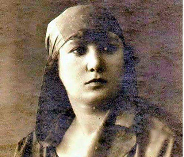 """""""Türkiye'de Darülfünun'dan mezun ilk kadın"""" unvanının sahibi Sukufe Nihal.1919"""