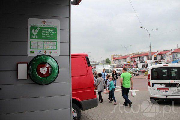 Polish city #StalowaWola is heartsafe thanks to local community! Installed by @maxharter_AED. http://stw24.pl/defibrylator-juz-jest-przy-hali-targowej/ …