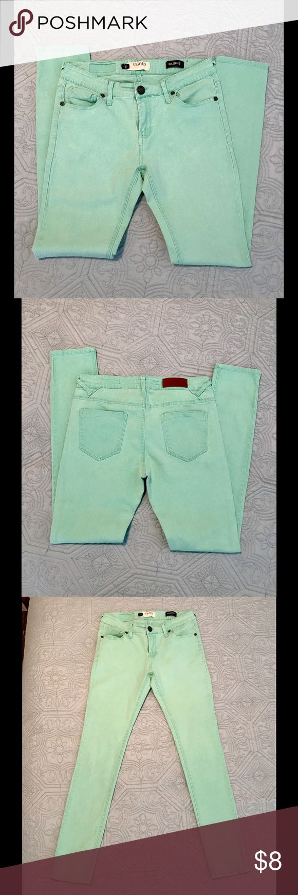 "🍹🍹Mint green skinny jeans 🍭🍭 Excellent pre-owned condition mint green skinny jeans. Perfect color for spring. 28"" inseam, 8"" rise. No stains, rips, holes, etc. Comes from a smoke free, pet free home. Vigold Jeans Skinny"