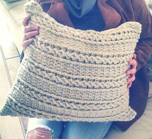 Cojín punto trenzado crochet. Easy crochet