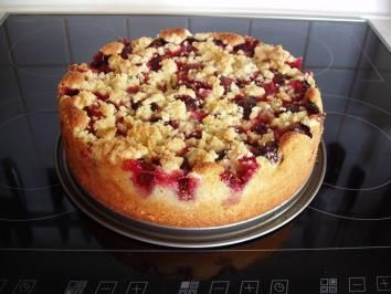 Photo of Plum cake with crumble