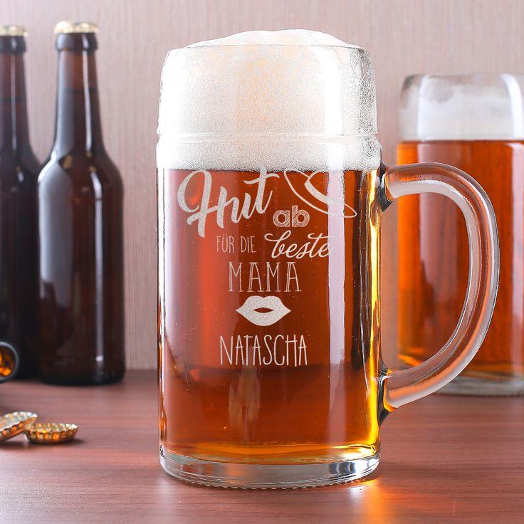 Auch Mütter trinken gerne mal ein Bier! Ihre Mutter gehöhrt dazu? - Dann darf dieser Maßkrug nicht fehlen! Der Bierkrug fasst 1 Liter und ist aus stabilem Klarglas gefertigt. Durch die edle Gravur wird der Bierkrug zu einem tollen Geschenk zum Muttertag.