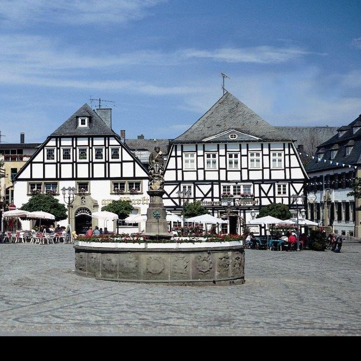 Brilon – city of the forest – enchants visitors at a first glance. Wonderful old half-timbered houses, various shopping facilities and forest as far as the eye can see.