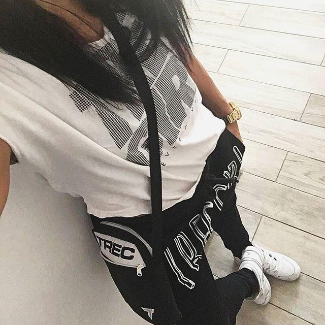 #trecgirl #fitness #instafit #fitstagram #fitnessmotivation #gymmotivation #motywacja #motivation #fashion #moda #stylizacja #stylizacje #streetfashion #fitnessfashion #pumpy #legginsy #leggings #leginsy #gymwear #sportswear #gymclothes #gymclothing #selfie #polishgirl #instapic #picoftheday #fitness #casual  @trecwear @trecnutrition