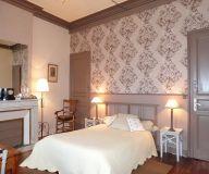 chèque cadeau Les Tuileries De Chanteloup : Une nuit périgourdine, j'offre: http://www.web-commercant.fr/cheques/hebergement/la-roche-chalais-24490/les-tuileries-de-chanteloup/845-une-nuit-perigourdine