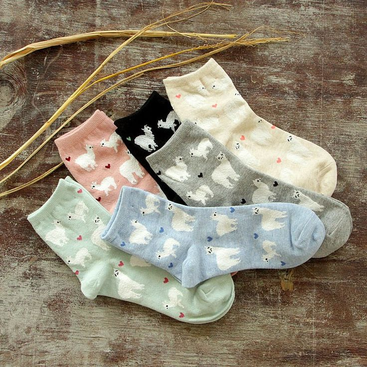 Show you Love of alpaca with these cute socks! Cute ankle height cotton socks featuring our favorite camelid and little hearts of love.