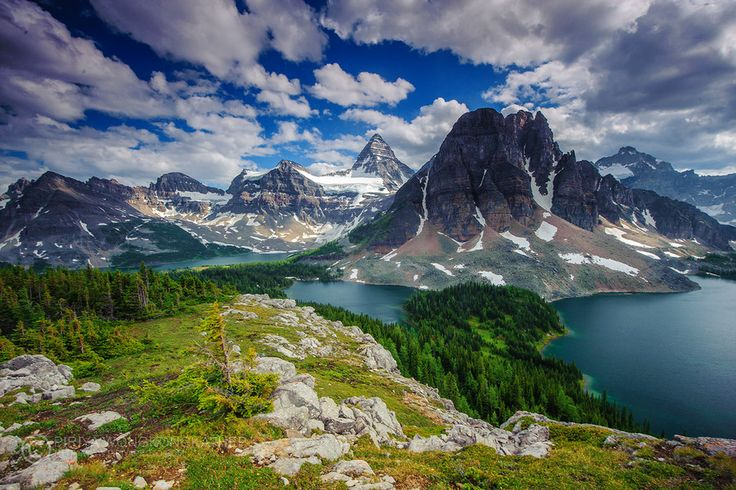 Mount Assiniboine Provincial Park, Canada...need to research more ways to hike in and camp...its a long one but its prettyyy!