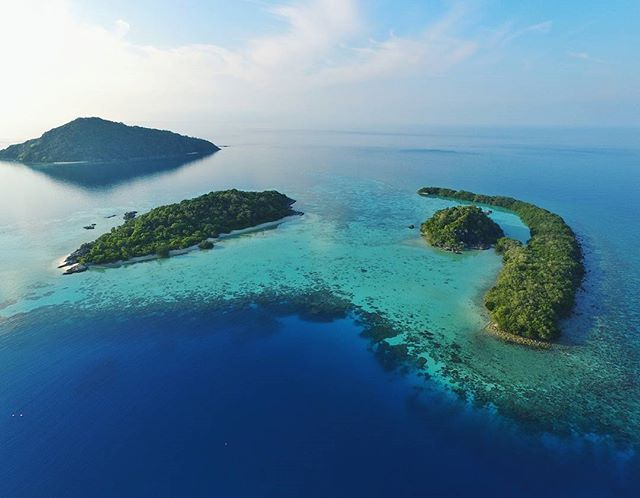 The area between those two little islands is truly turquoise paradise ❤…