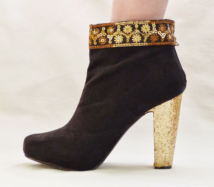 MAXCE: DIY Statement boots (removable)