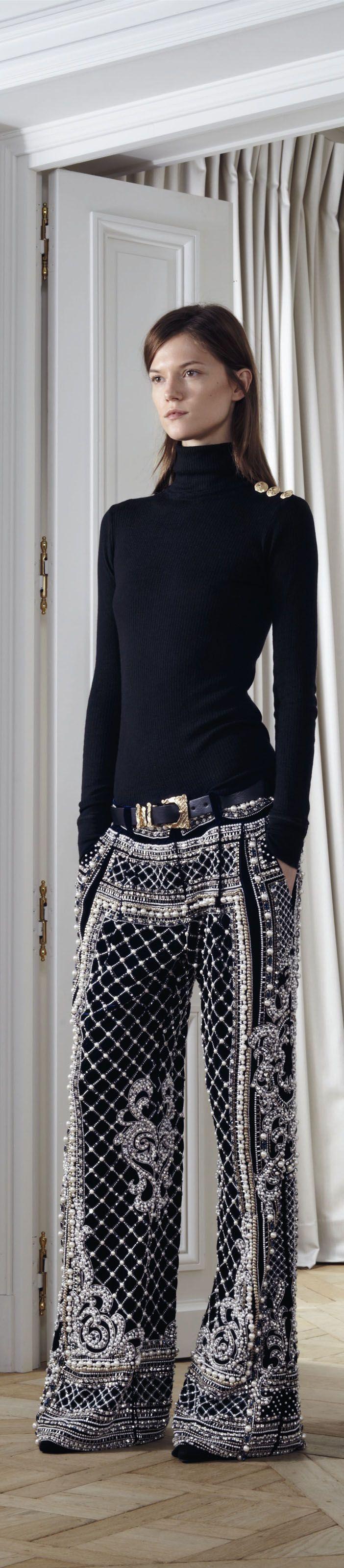 ✜ Balmain - Pre-Fall 2012 2013 RTW ✜  http://www.vogue.it/en/shows/show/fw-12-13-pre-fall/balmain (+ MORE Balmain Pre Fall on Fashion Black)