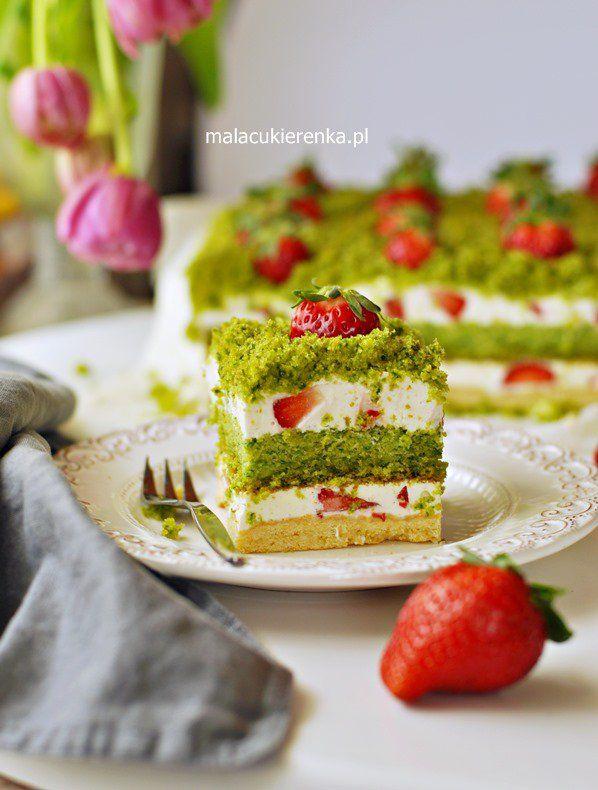 """Ciasto """"Truskawkowe Pole"""" ze szpinakiem i kremem jogurtowym - Światowy Dzień Pieczenia"""